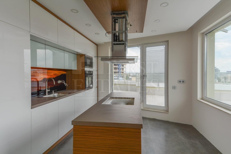 5 стаен апартамент