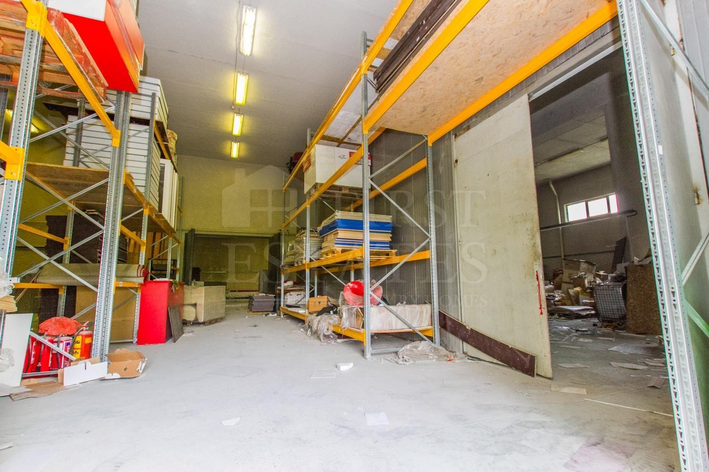 1382 m² офис за продажба