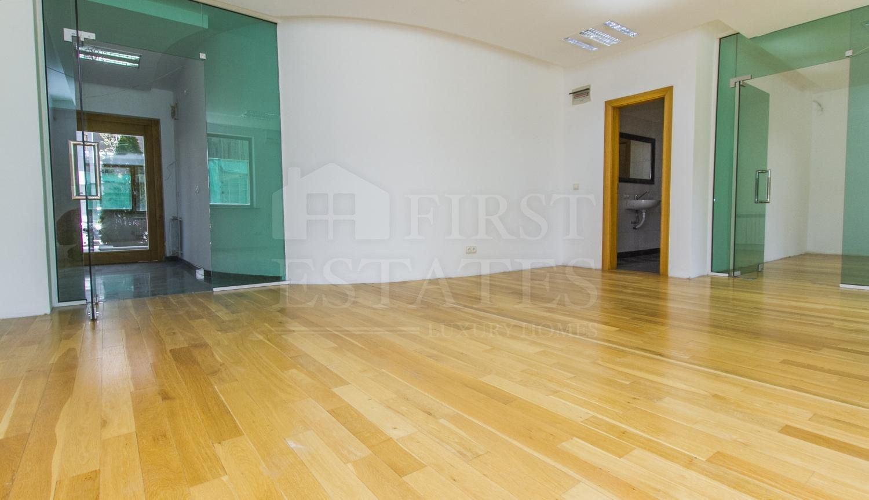 77 m² офис за продажба