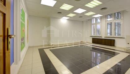 570 m² офис под наем