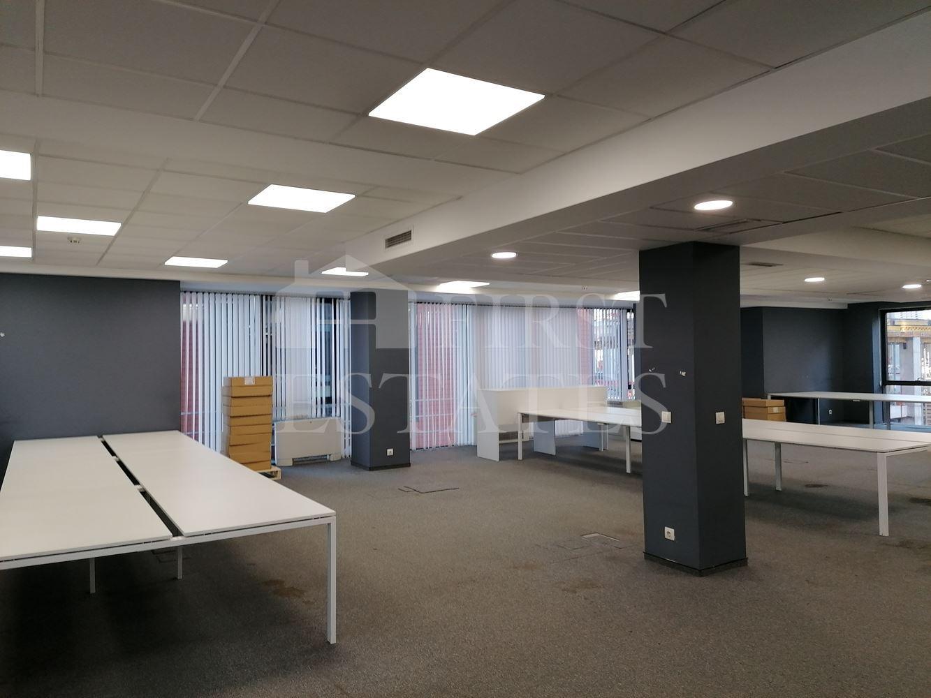 745 m² офис под наем