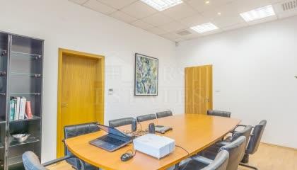 358 m² офис за продажба