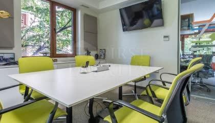 705 m² офис за продажба