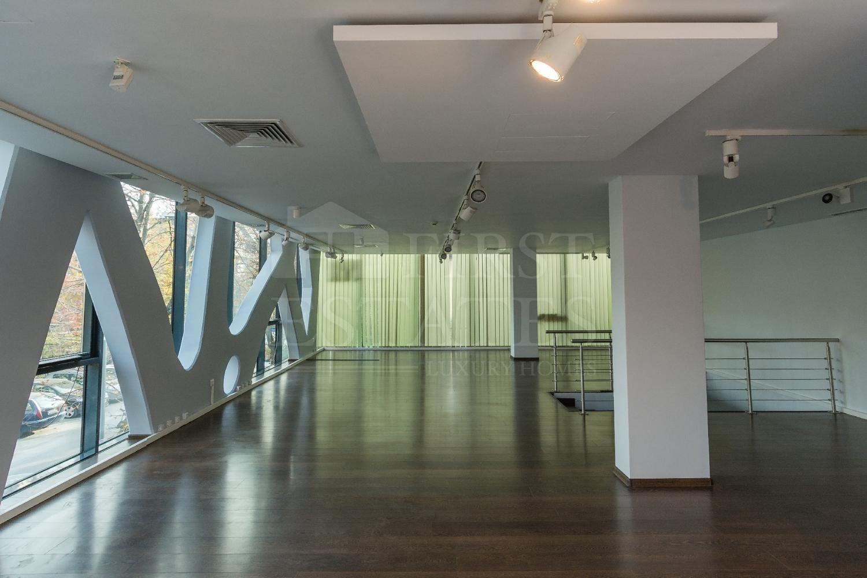 308 m² офис под наем