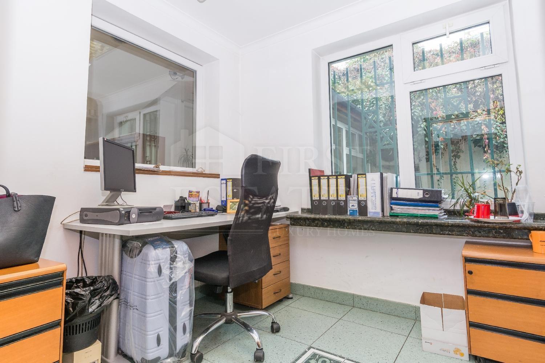 1420 m² офис за продажба