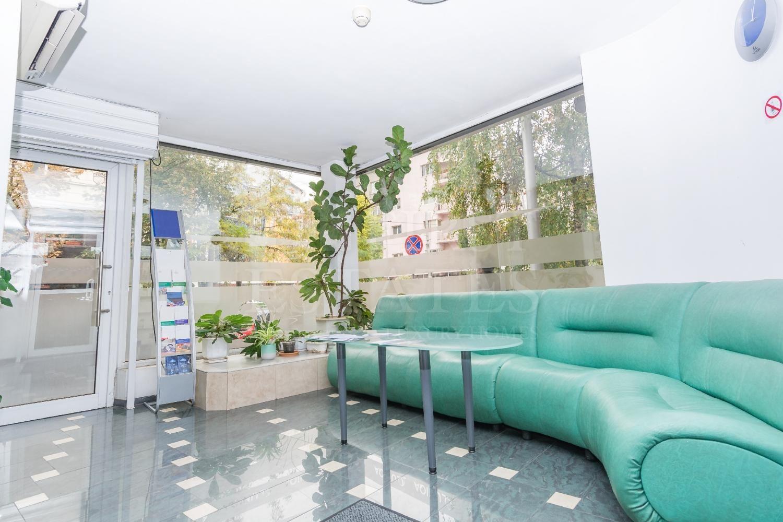 365 m² офис за продажба