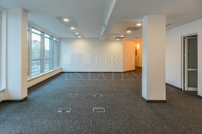 102 m² офис за продажба