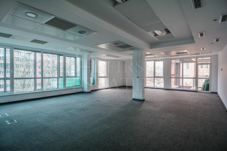 428 m² офис за продажба