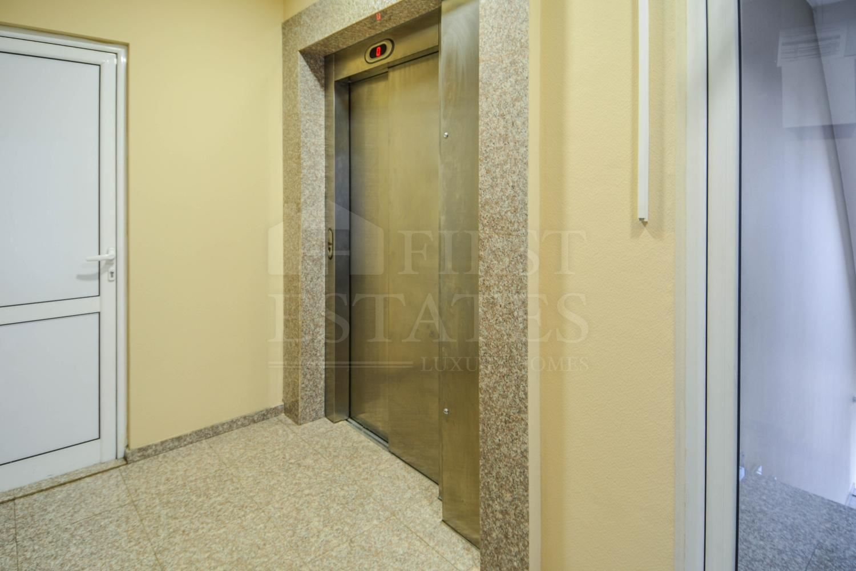 325 m² офис за продажба