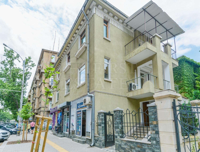 255 m² офис за продажба