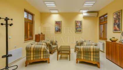 225 m² офис за продажба