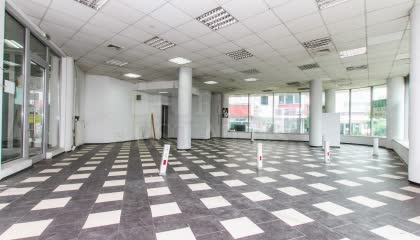 156 m² shop for rent