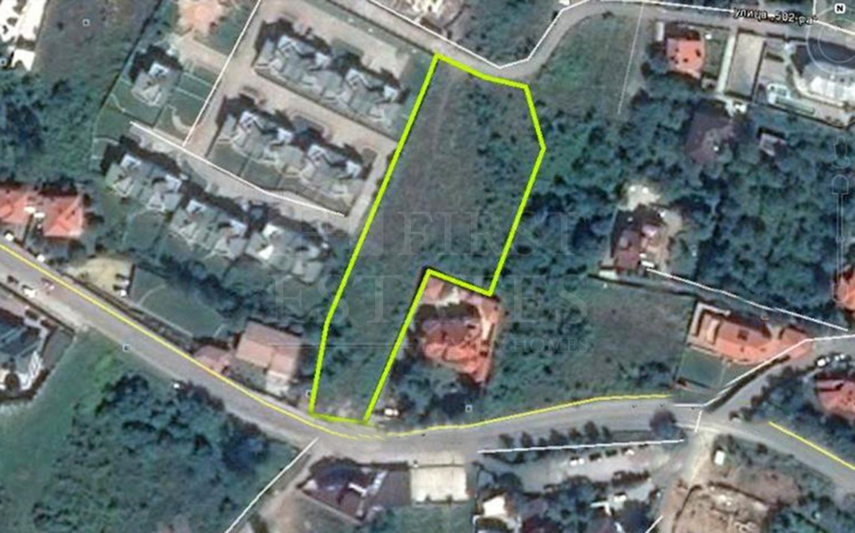4424 m² парцел за продажба