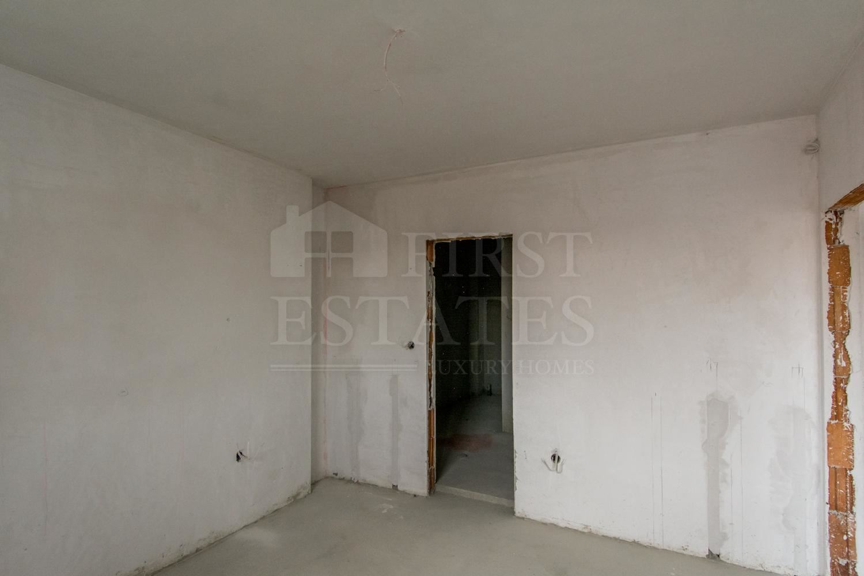 4 стаен апартамент за продажба