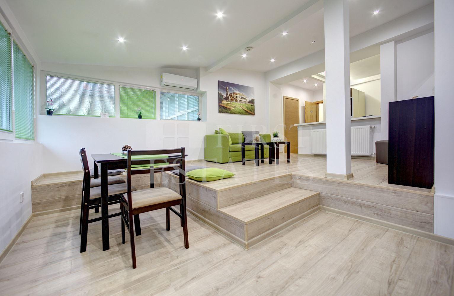 5 стаен апартамент за продажба
