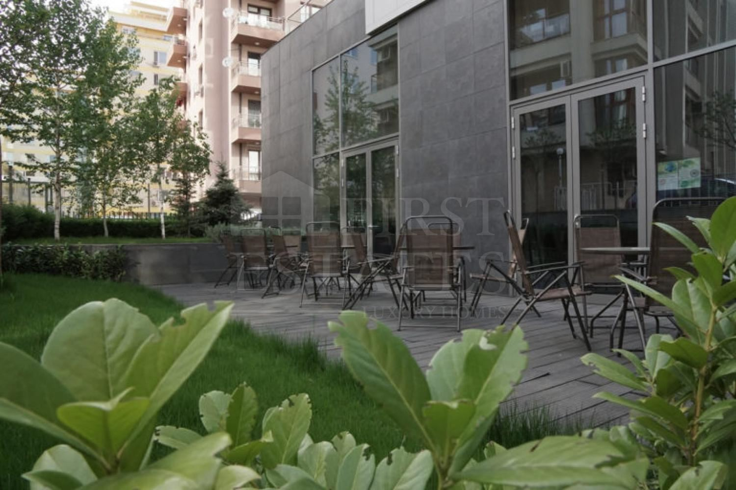 500 m² office for rent