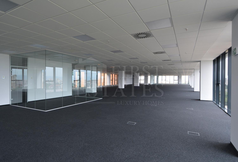 1300 m² офис под наем