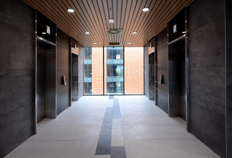 2600 m² офис под наем