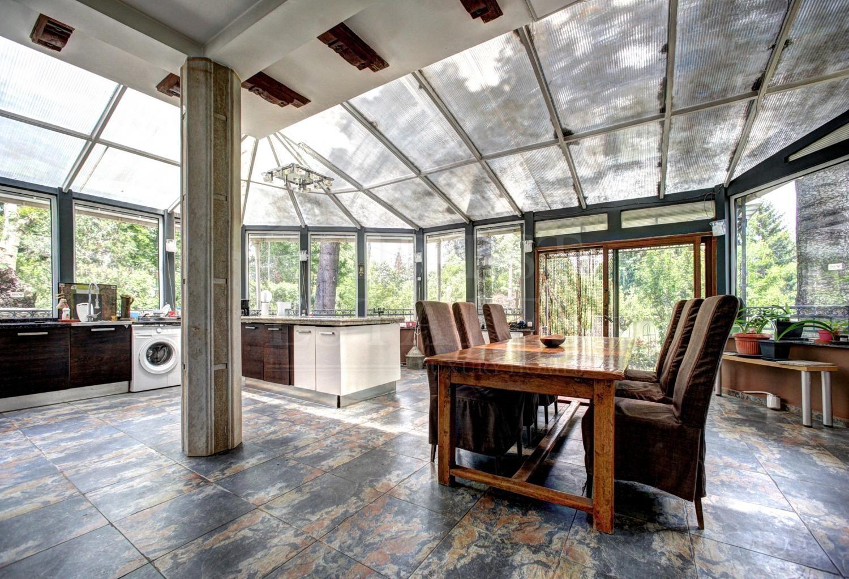 common.9bedroom_house за продажба