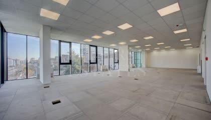 1850 m² офис под наем