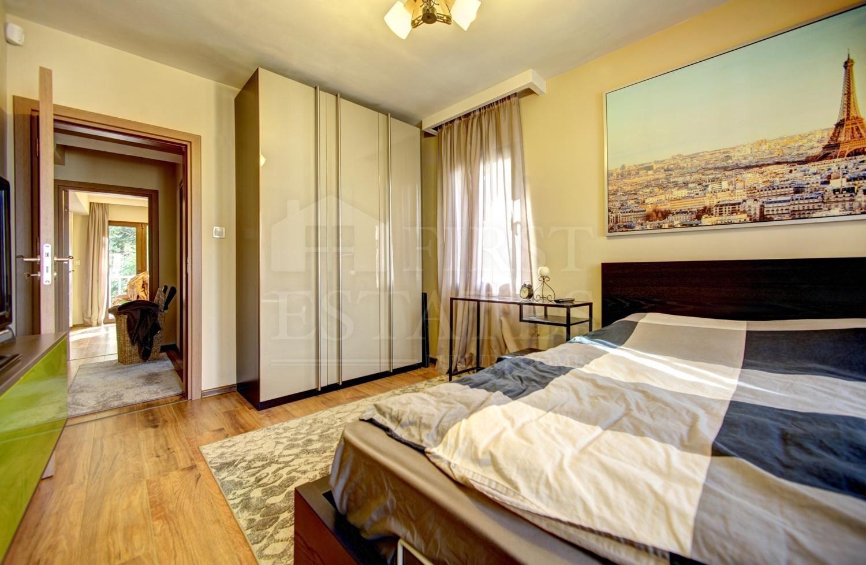 къща с 3 спални