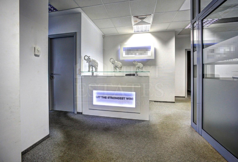 180 m² офис за продажба