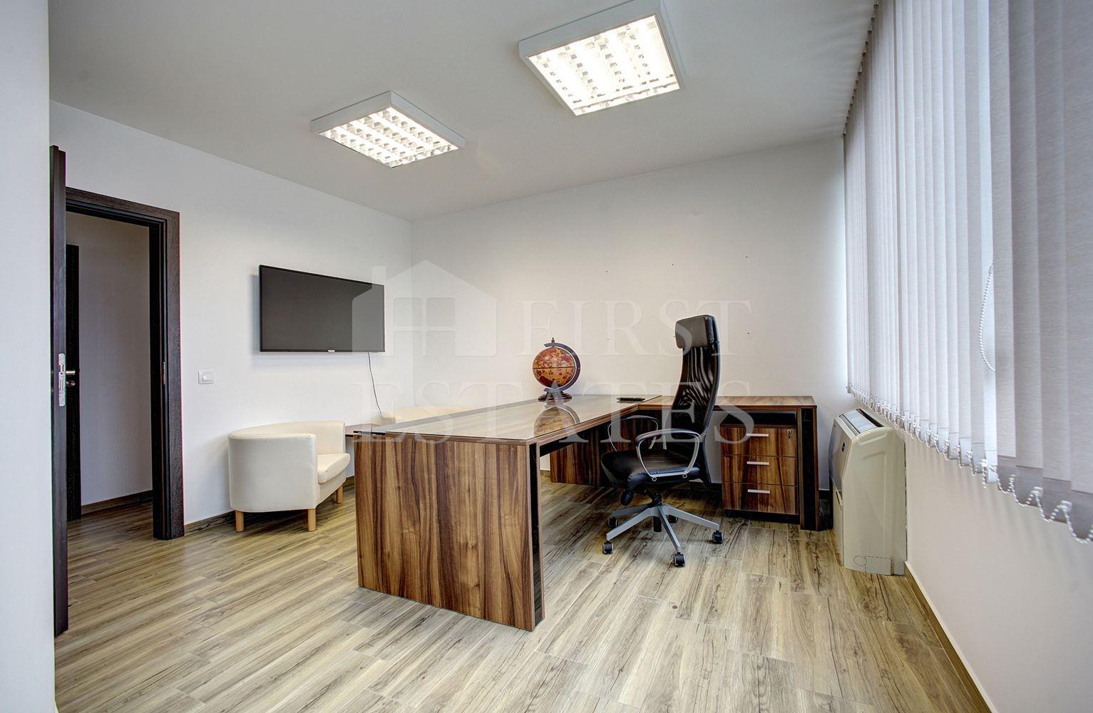 100 m² офис под наем