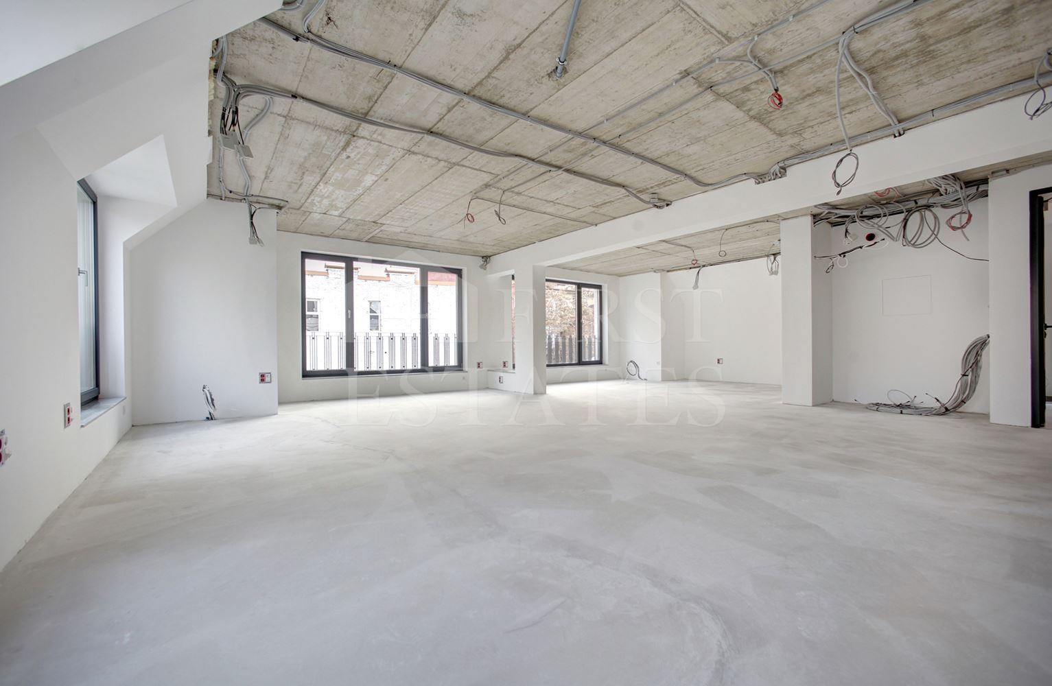 1100 m² офис под наем
