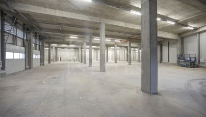 1091 m² индустриален имот под наем