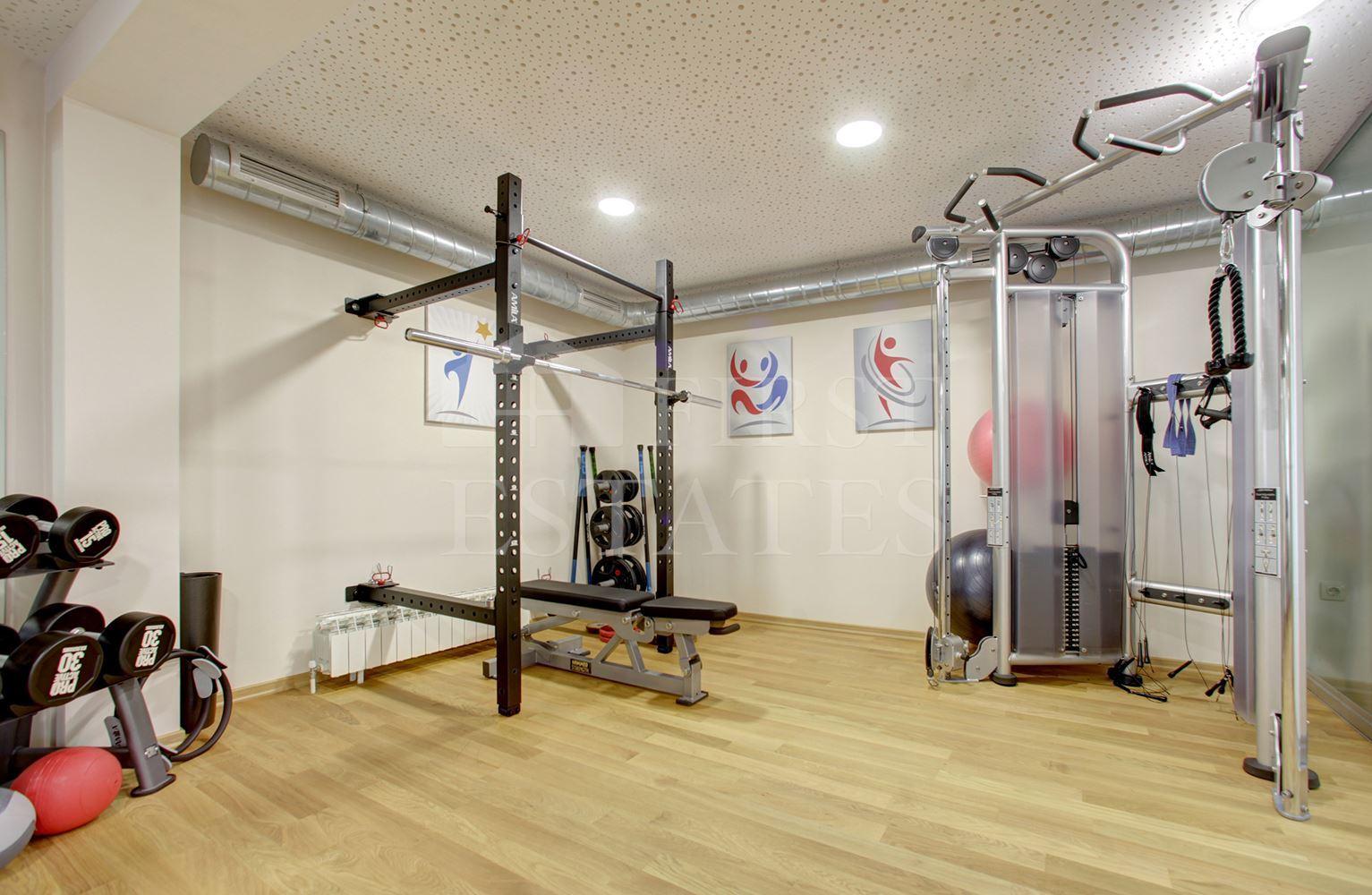 305 m² магазин за продажба