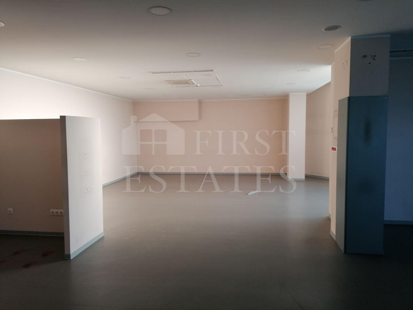560 m² офис под наем