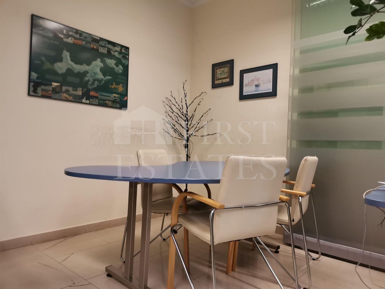 100 m² офис за продажба