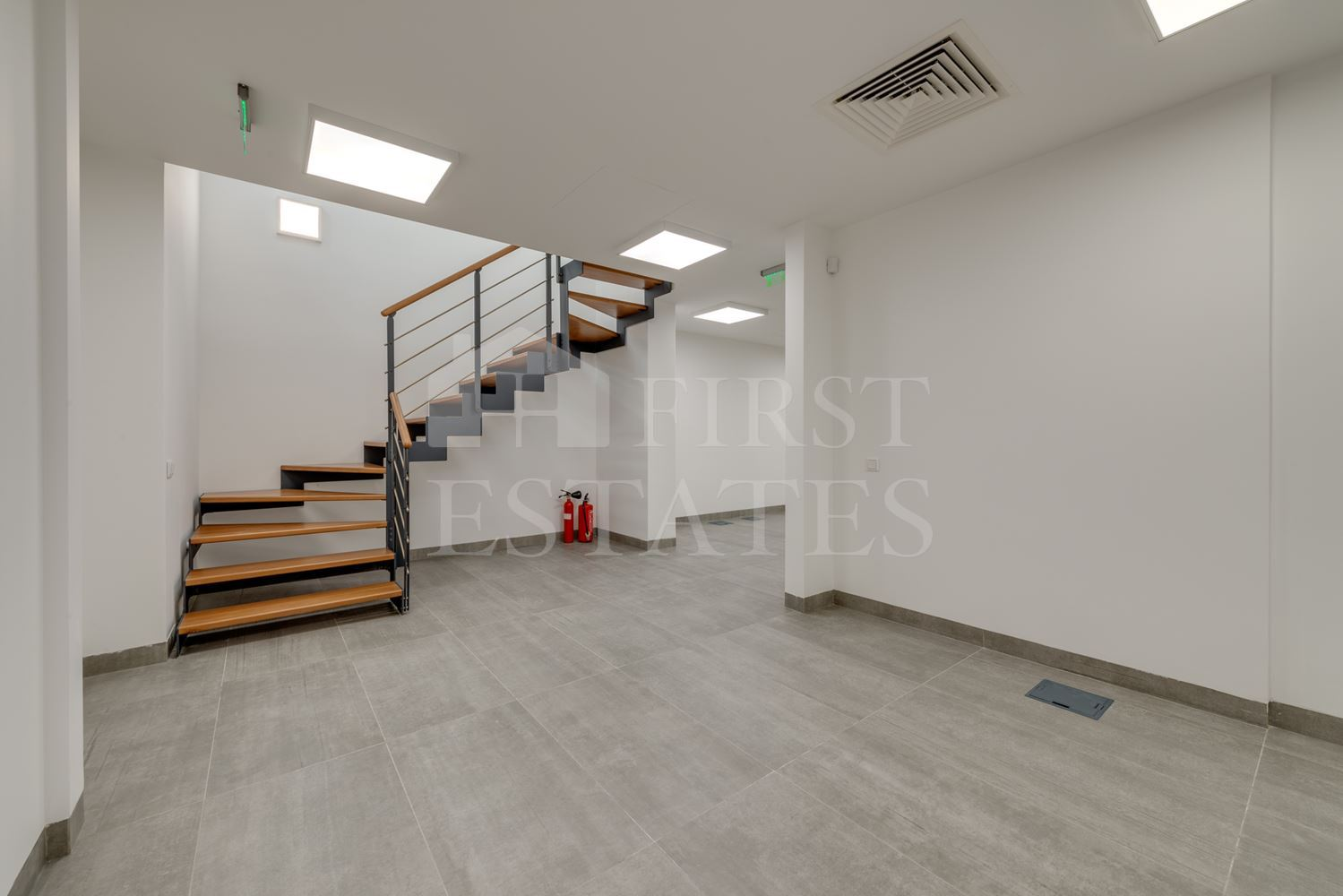 205 m² office for rent