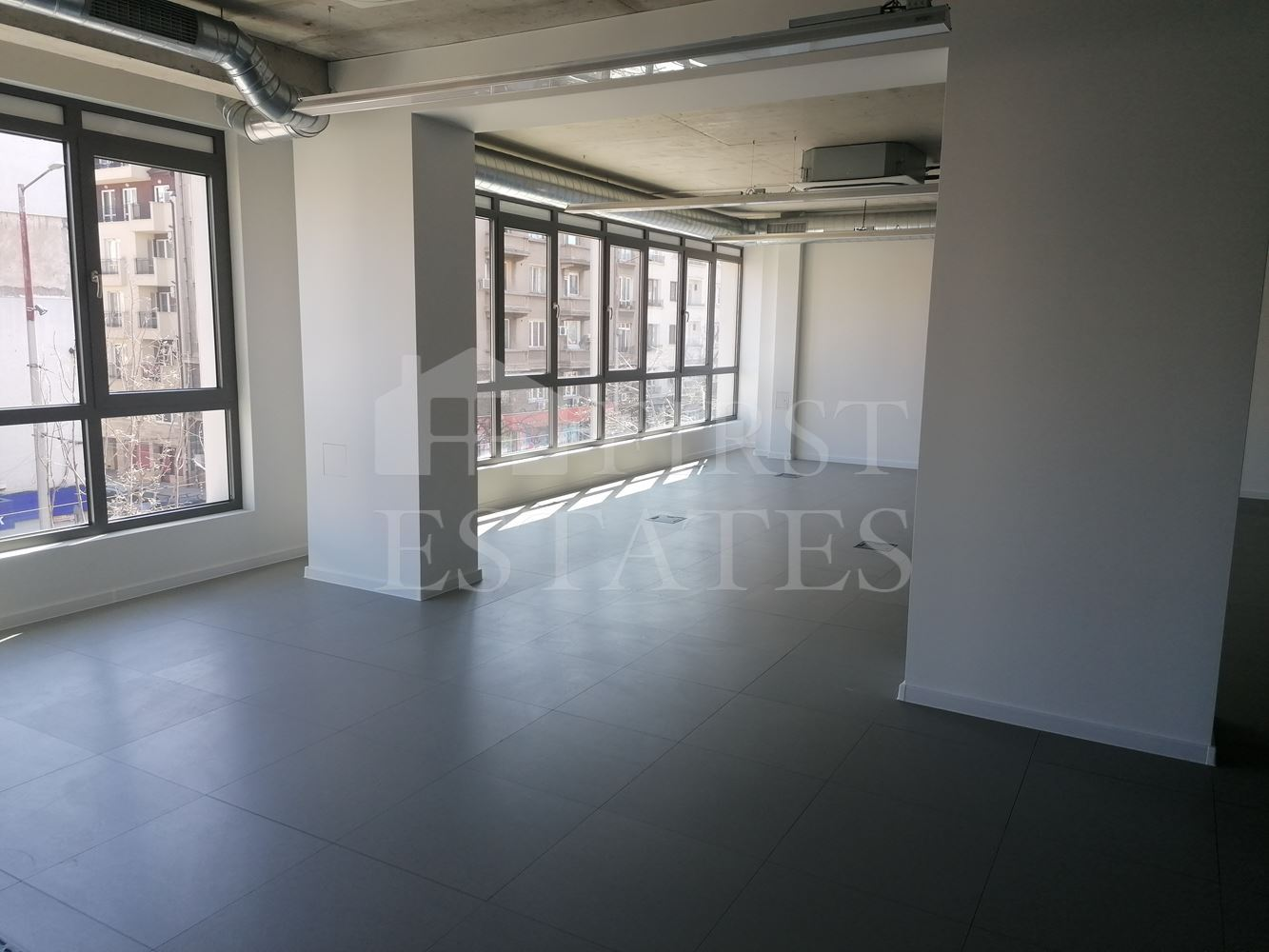 410 m² office for rent