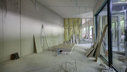 38 m² shop for rent