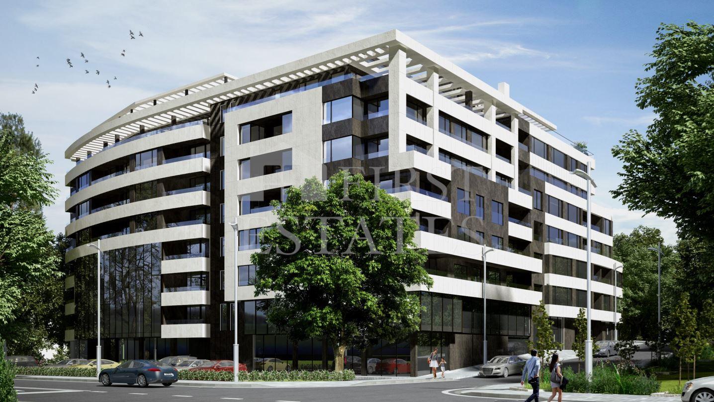 83 - 927 m² жилищна сграда с търговски обекти за продажба