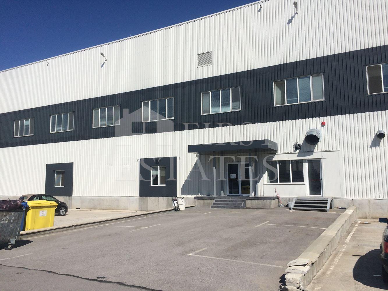 8971 m² индустриален имот под наем